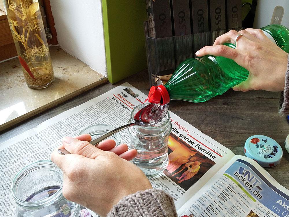 Ostereier selbst f rben mit lebensmittelfarbe anleitung tipps f r eier - Gekochte eier dekorieren ...